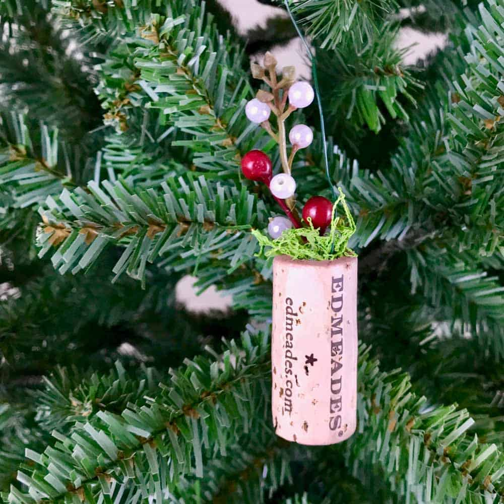 Wine Cork Planter Ornaments red berries hanging