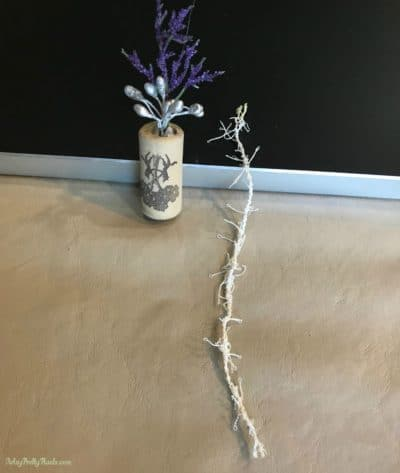 string of yarn to adorn top of cork