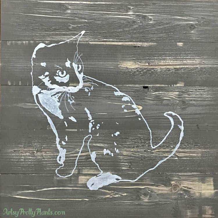 pallet wood canvas with simple painting of cat