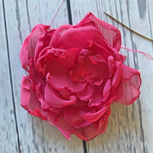 Melted flower with inside stitch for pen