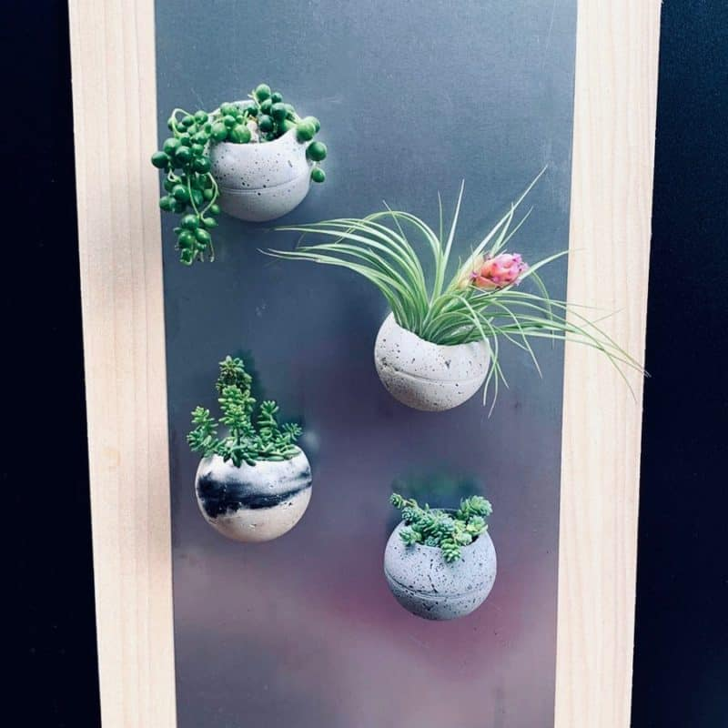 4 magnetic cement planters