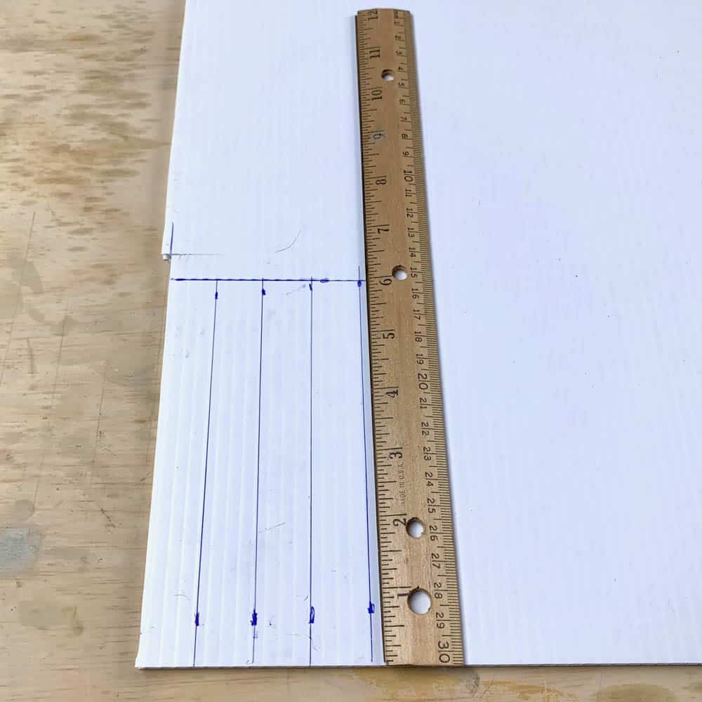 corrugated plastic with ruler