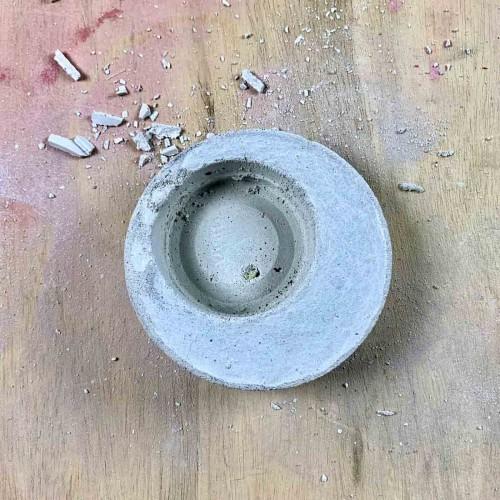 DIY Modern Concrete Planter after demolding
