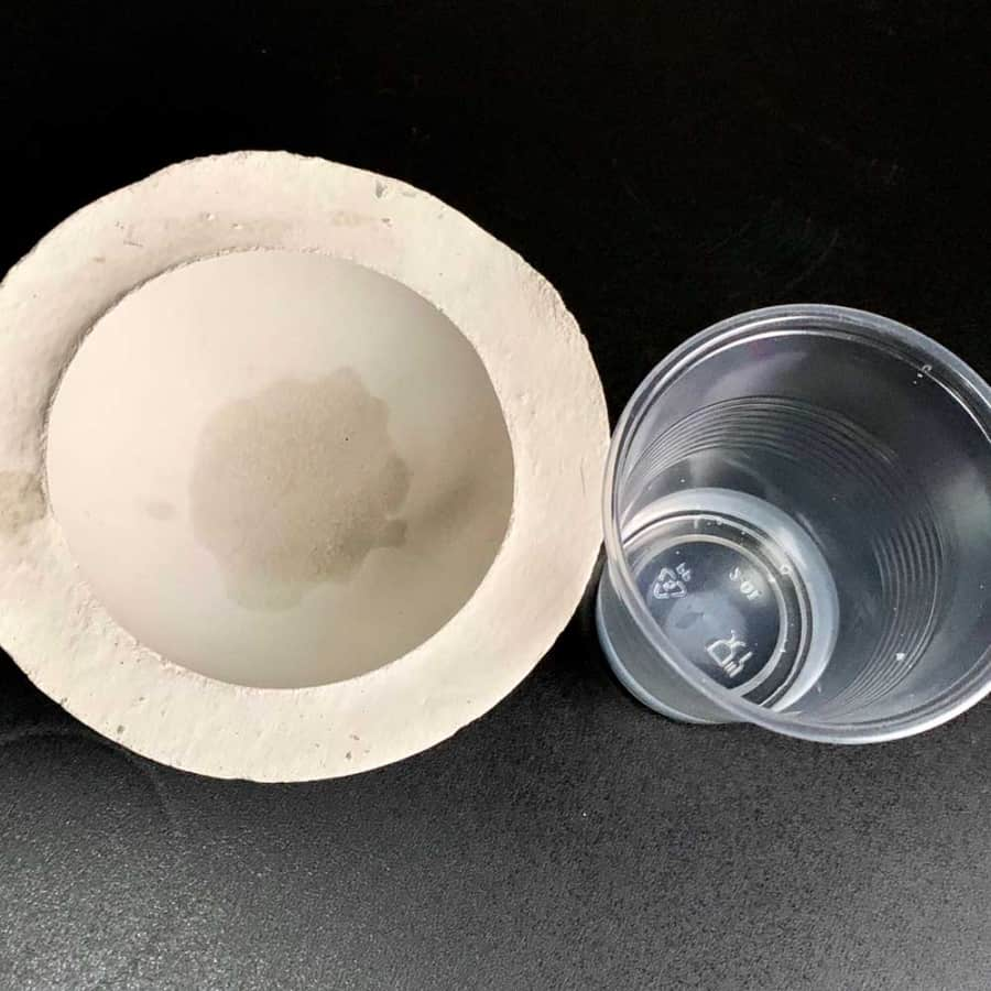 bowl showing water absorption with plastic cup