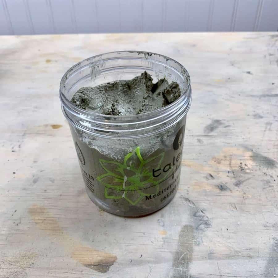 Cast mold for planter