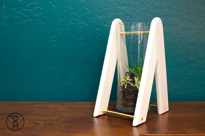 glass-wood-swinging-terrarium-video-plans