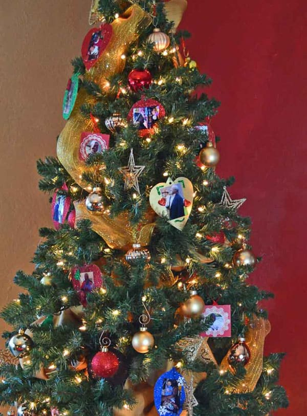 christmas tree with crafts decorated with memory crafts