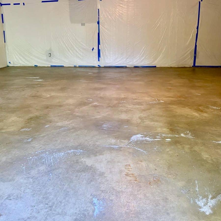level concrete floor- concrete floor with white frosty haze